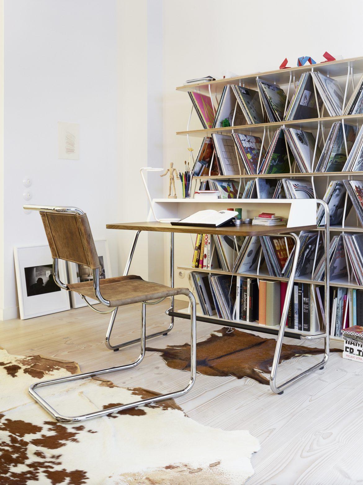 Werkruimte in de moderne woonstijl.