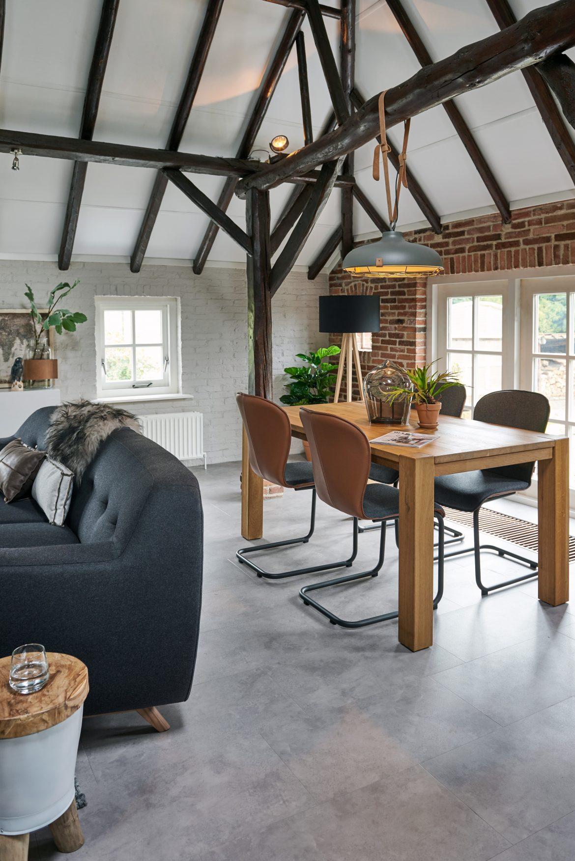 De woonboerderij in Nieuw-Annerveen gestyled met hulp van de Vesta interieuradviseur.