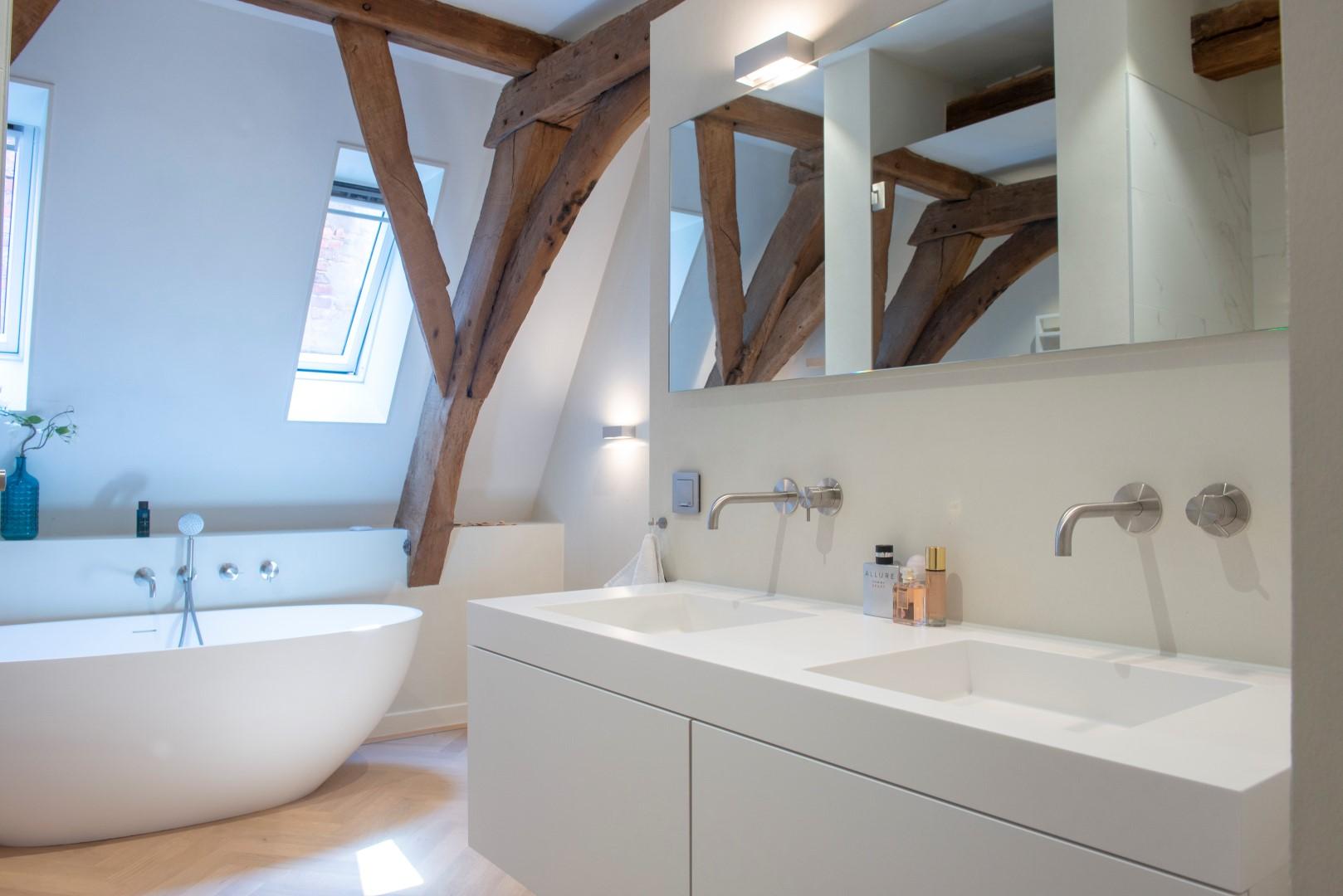 Badkamer in prachtig grachtenpand woonforum