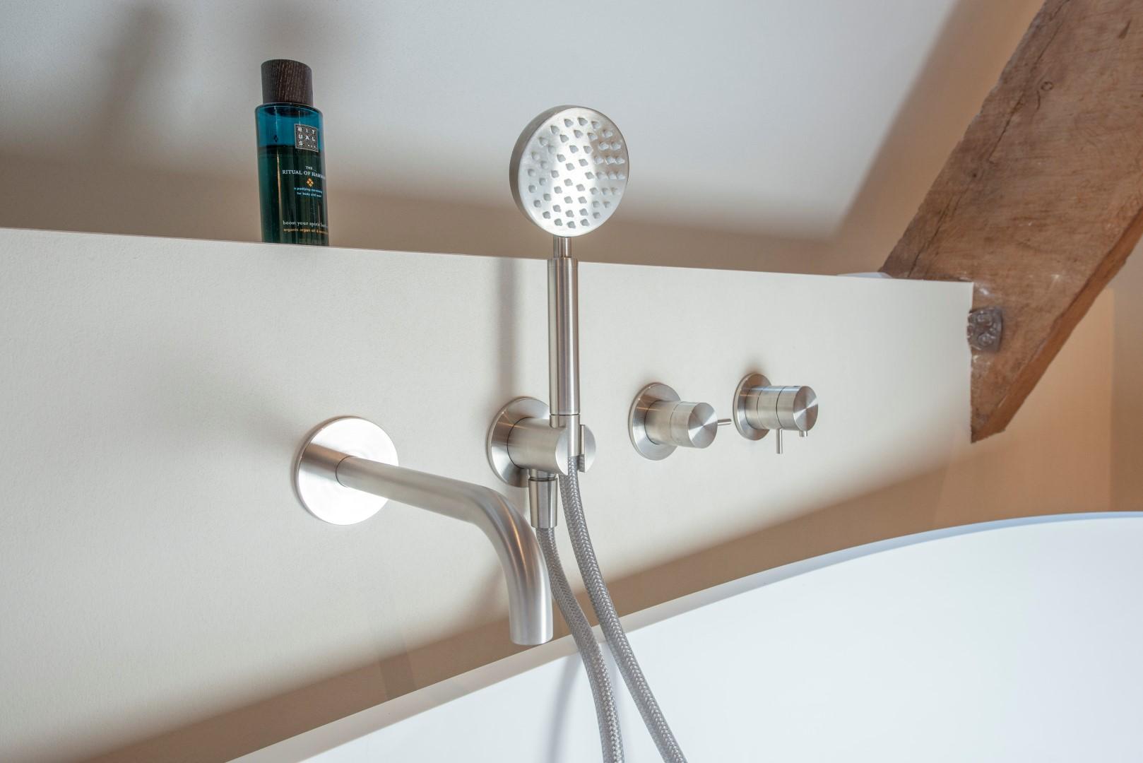 Badkamer in prachtig grachtenpand woonforum.com